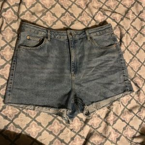Topshop High Waisted Mom Jean Shorts - Size 16